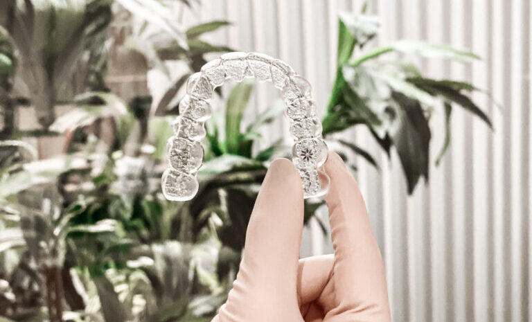 Ortodoncia Invisalign Lora Boutique Dental