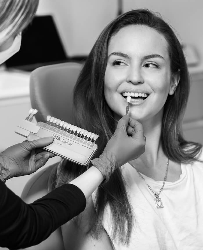 blanqueamiento-dental-barcelona-lora-boutique-dental