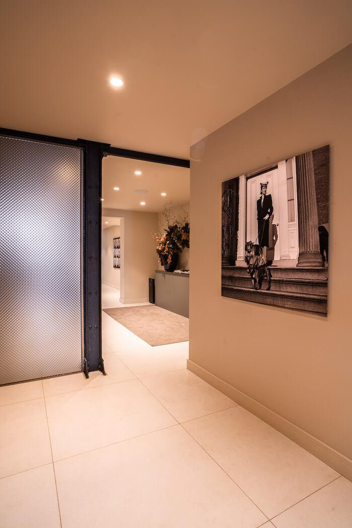 instalaciones-lora-boutique-dental-diseño-moda-bcn
