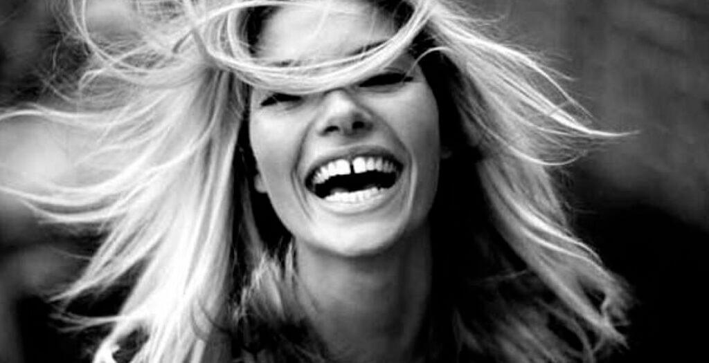 solucion-para-dientes-separados-diastema-barcelona
