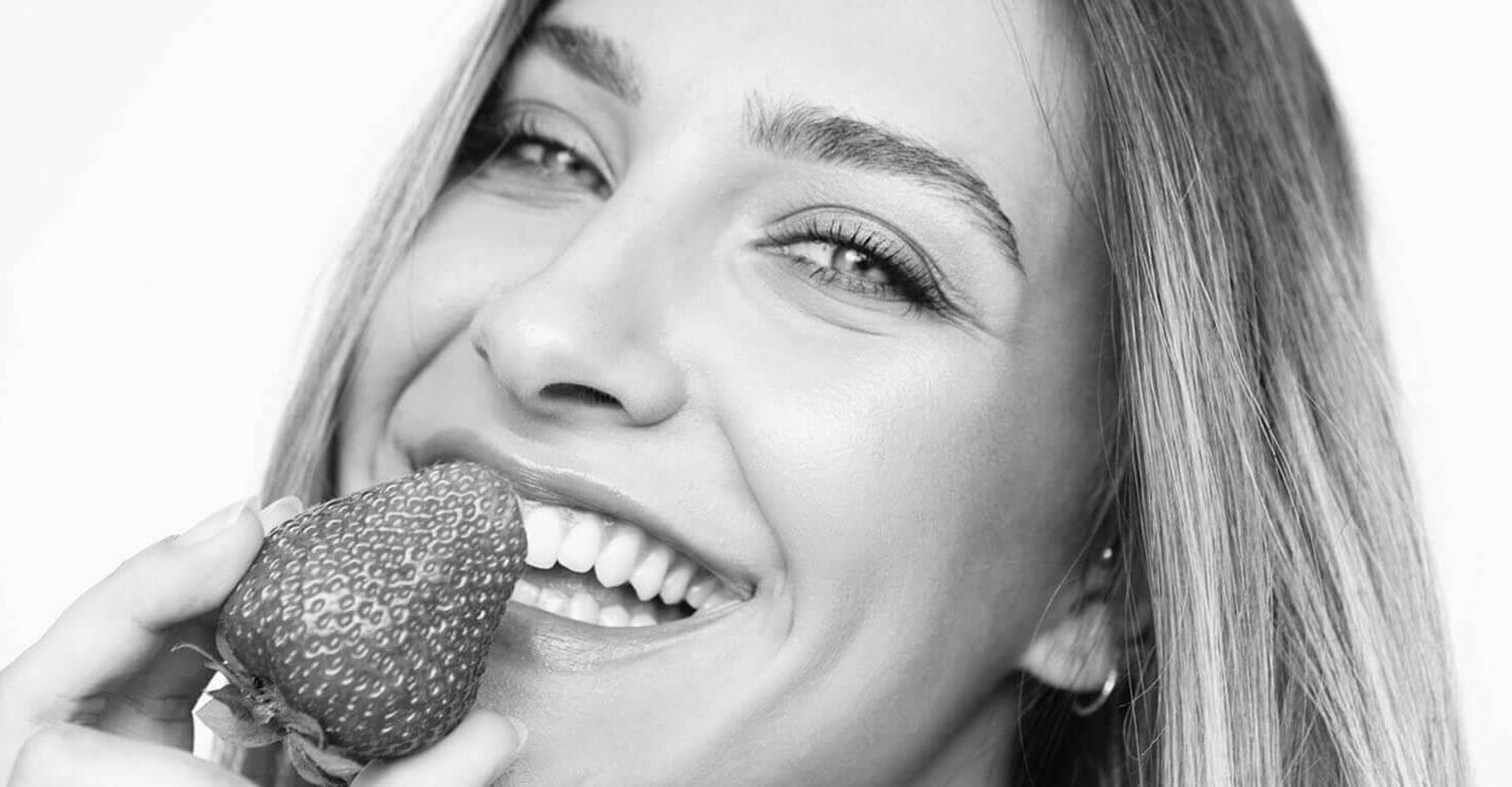quitar-manchas-en-los-dientes-barcelona-lora-boutique